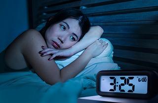 高齢者の不眠症を改善する方法